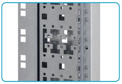 Kabelmanagement beim 19 Zoll Rahmen